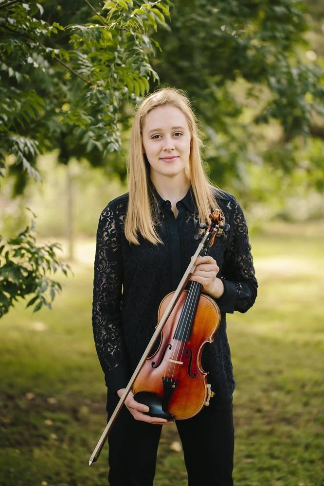 Grace Clifford, Fine Young Australian Violinist