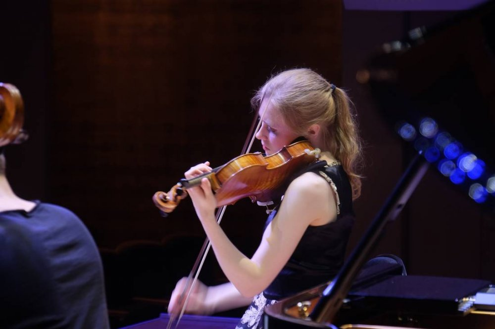 Grace Clifford, Violinist