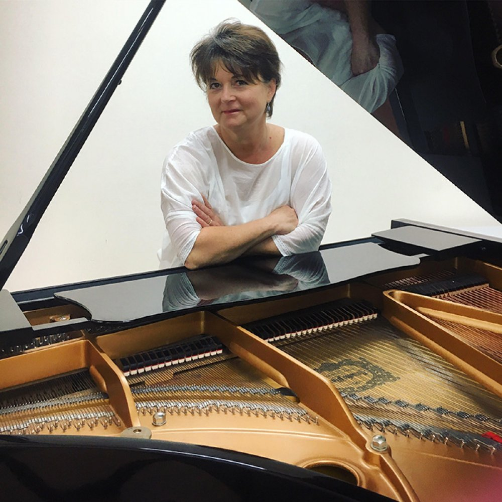 Kathryn Selby Leaning on Grand Piano 2018