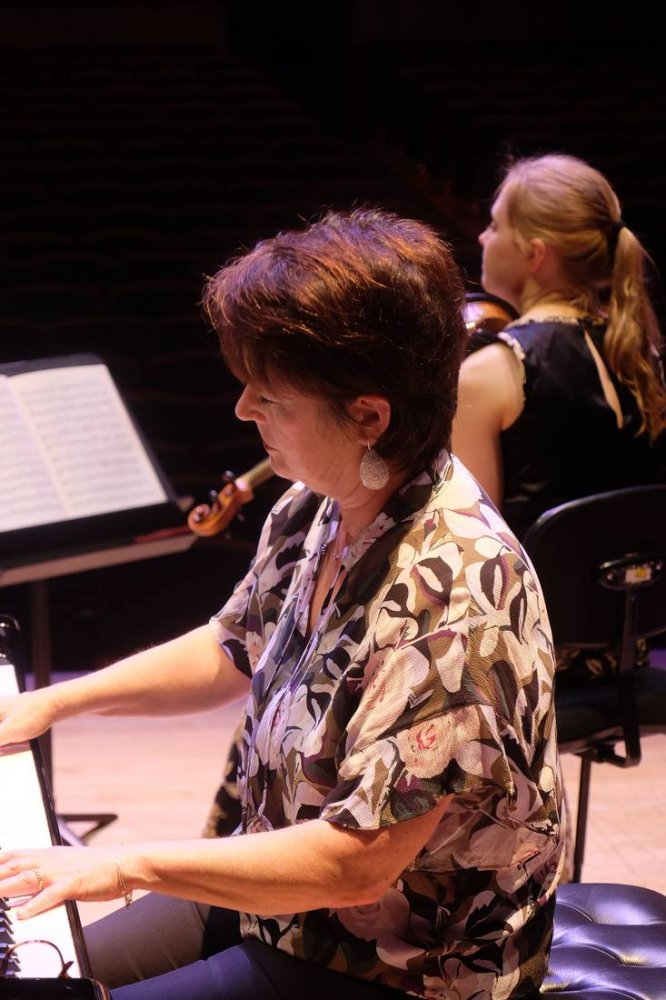 Kathryn Selby Performing in Concert